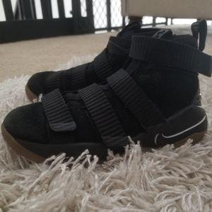 Lebron James Soldier XIII Nike